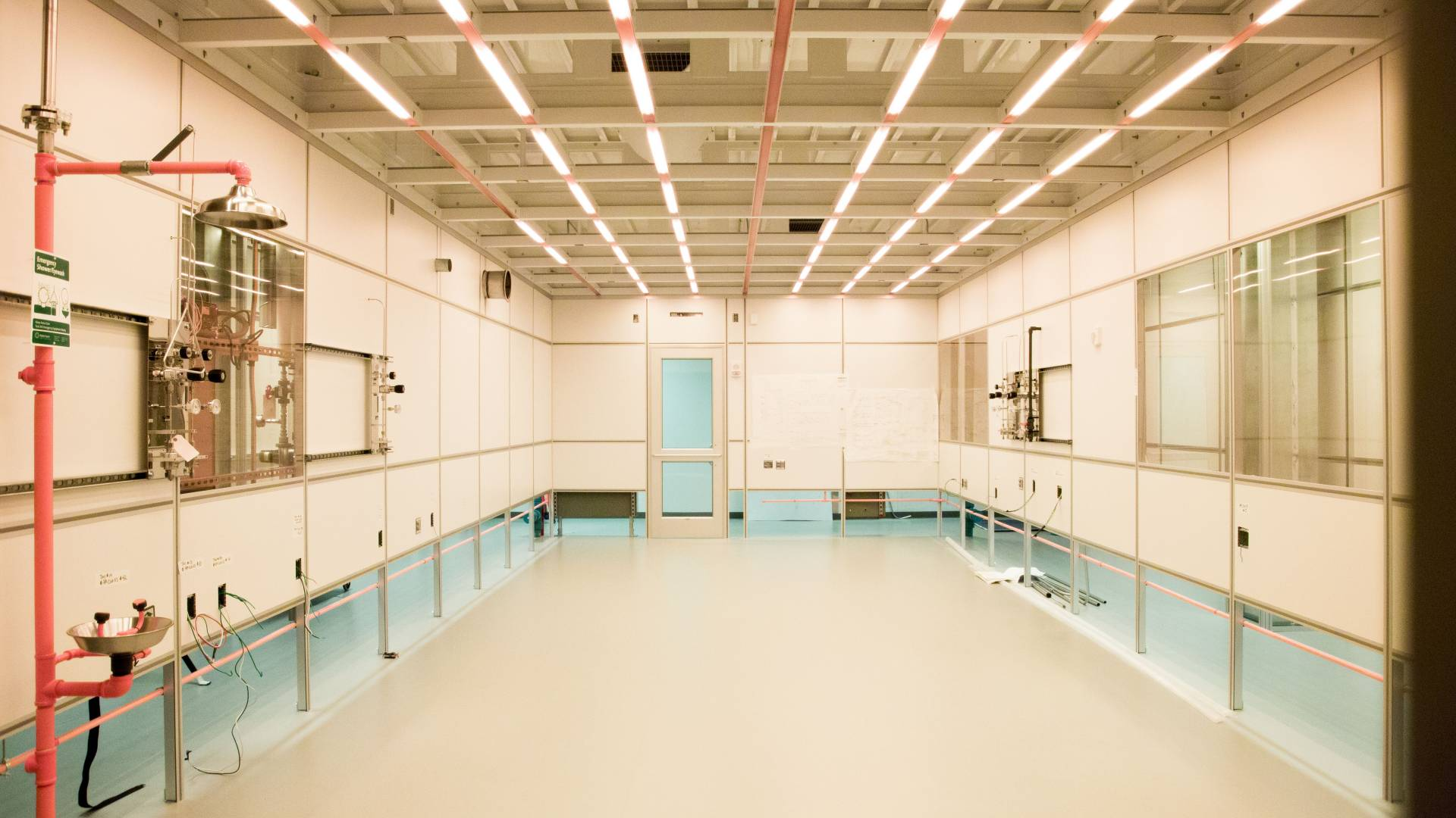 Andlinger Clean Room