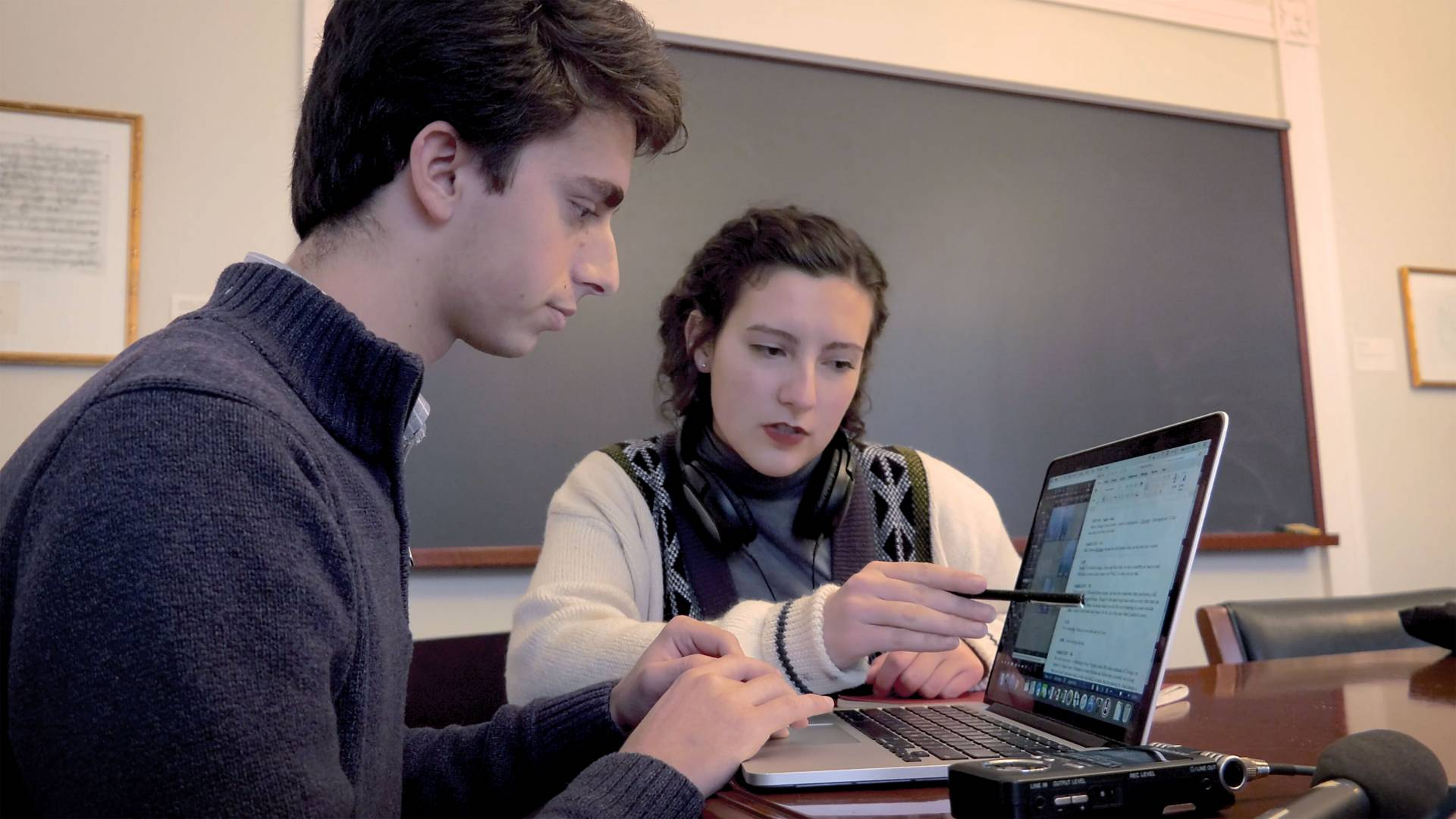 Students working together in the Radio Documentaries class