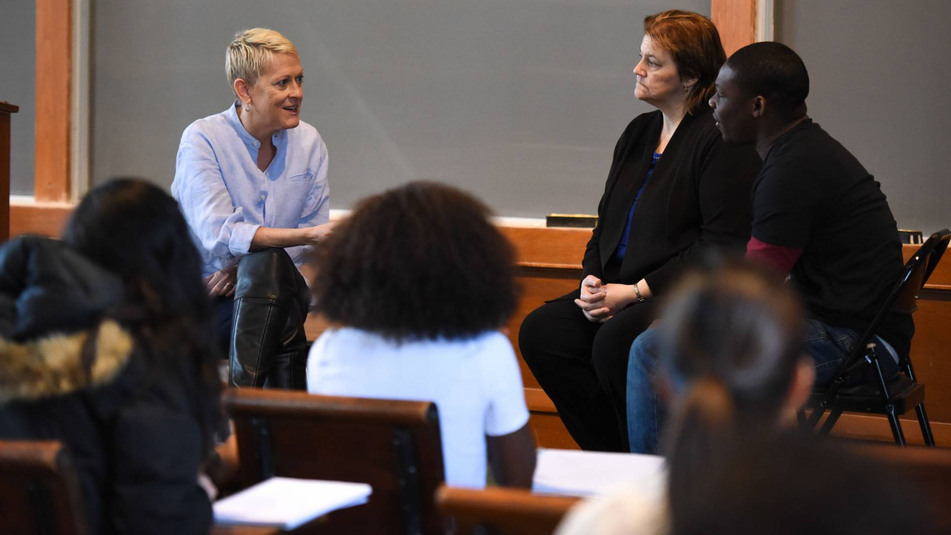 kathryn edin speaking with lorie mcdonough and donnell clark during class