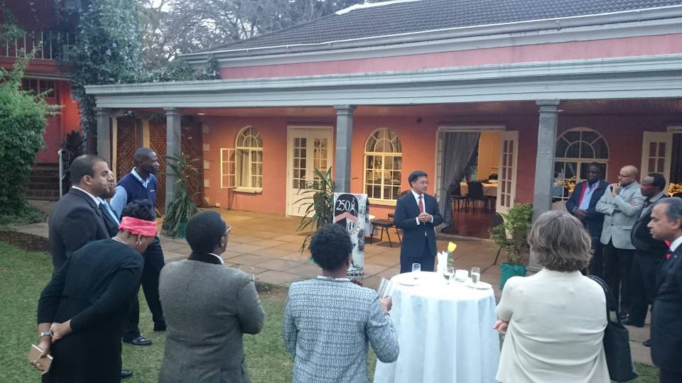 David Lee at alumni reception in Nairobi