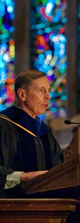Petraeus at podium