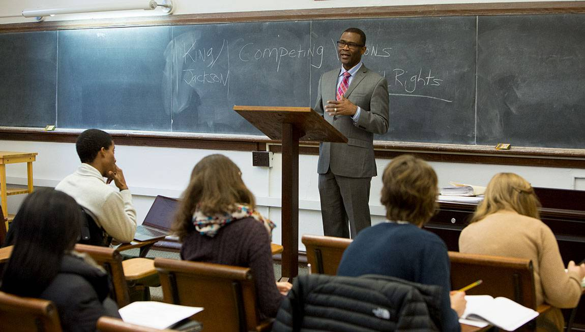 Wallace Best, professor of religion and African American studies, introduces the competing visions of Martin Luther King Jr. and Chicago pastor J.H. Jackson during a lecture on the role of the black church in the civil rights era.