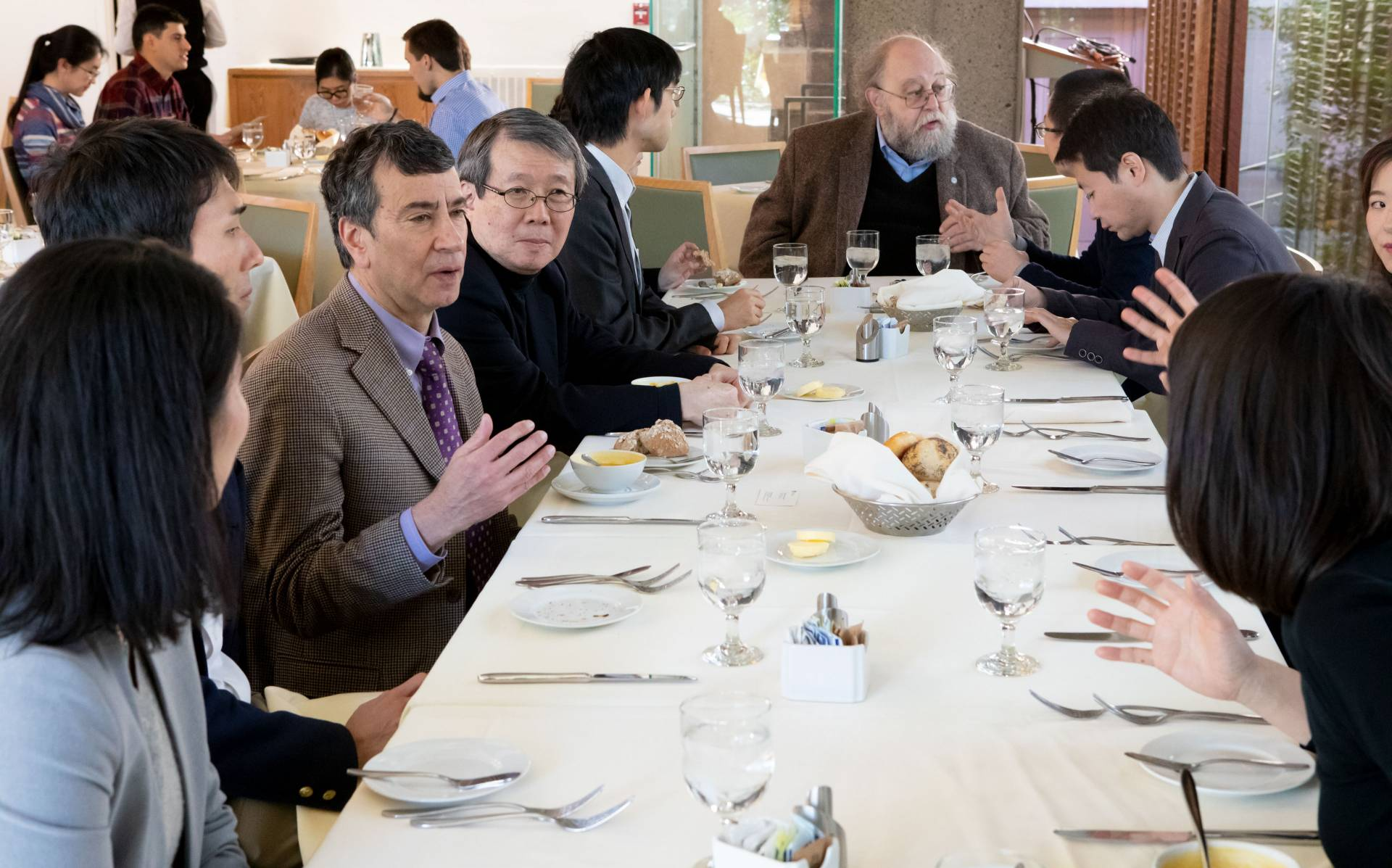 Princeton faculty and University of Tokyo delegates eating lunch
