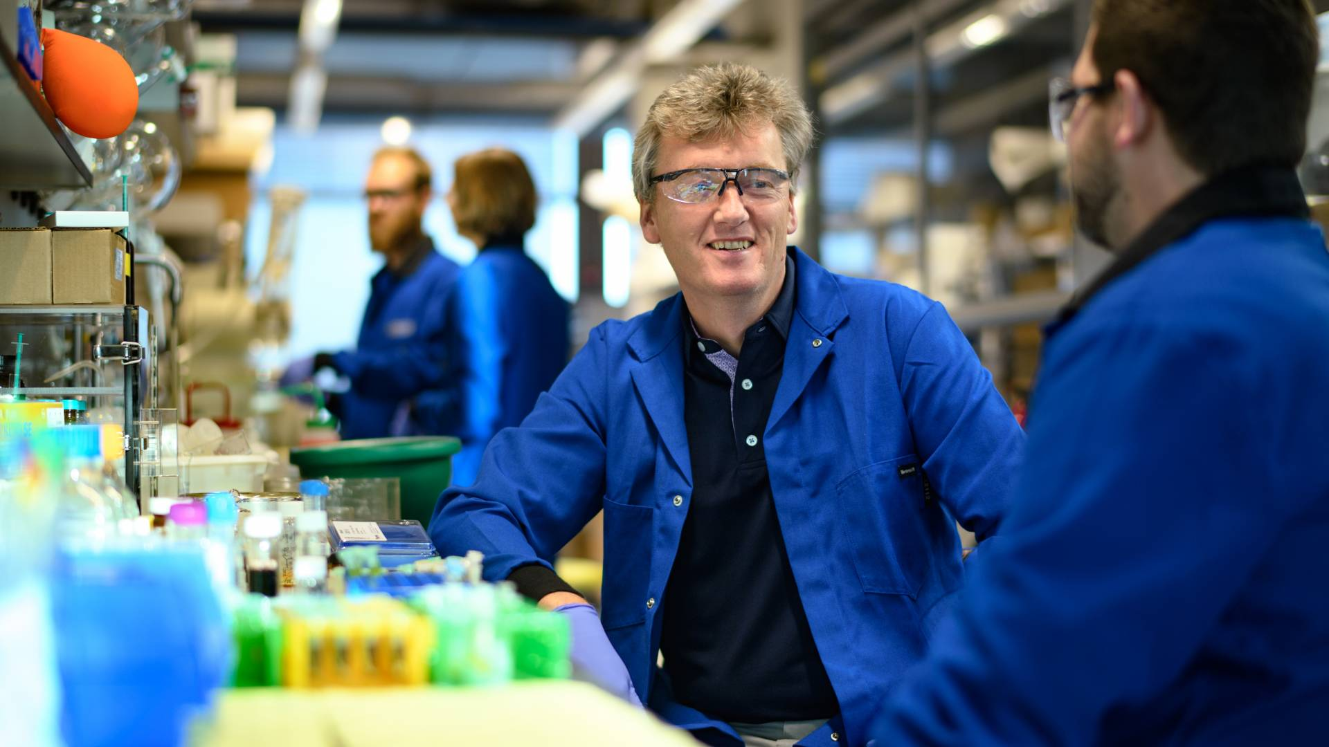Chemist MacMillan wins Centenary Prize from the Royal Society of