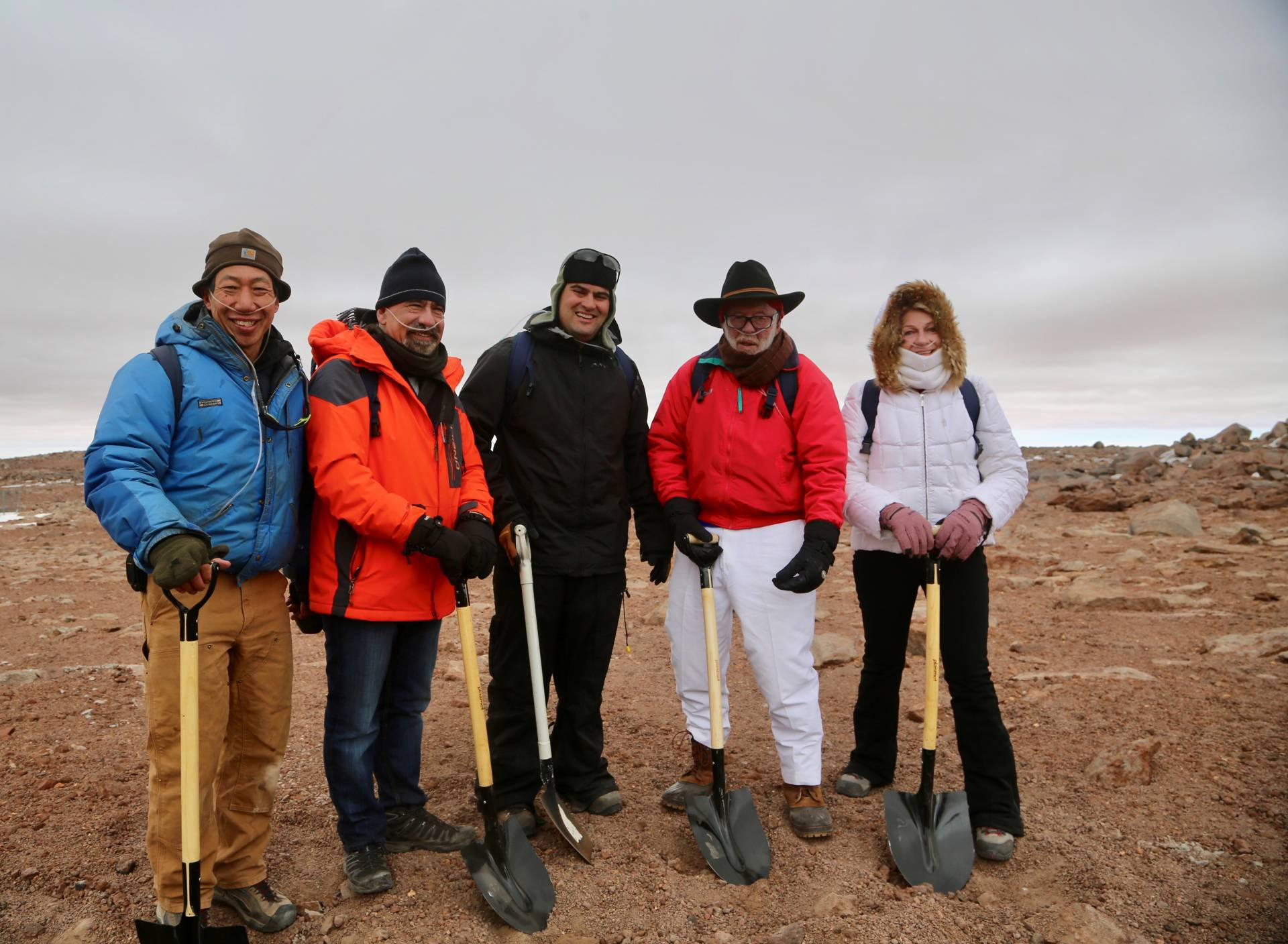 5 astrophysicists in the Atacama Desert in Chile