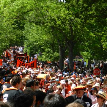 Alumni and students at the P-rade