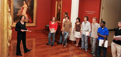 Class in the art museum