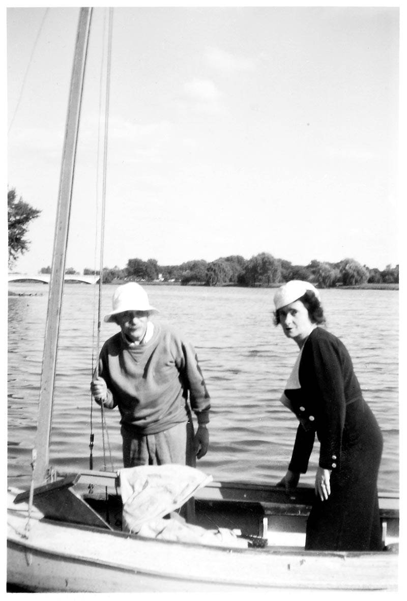 Lake Carnegie Einstein and Johanna Fantova