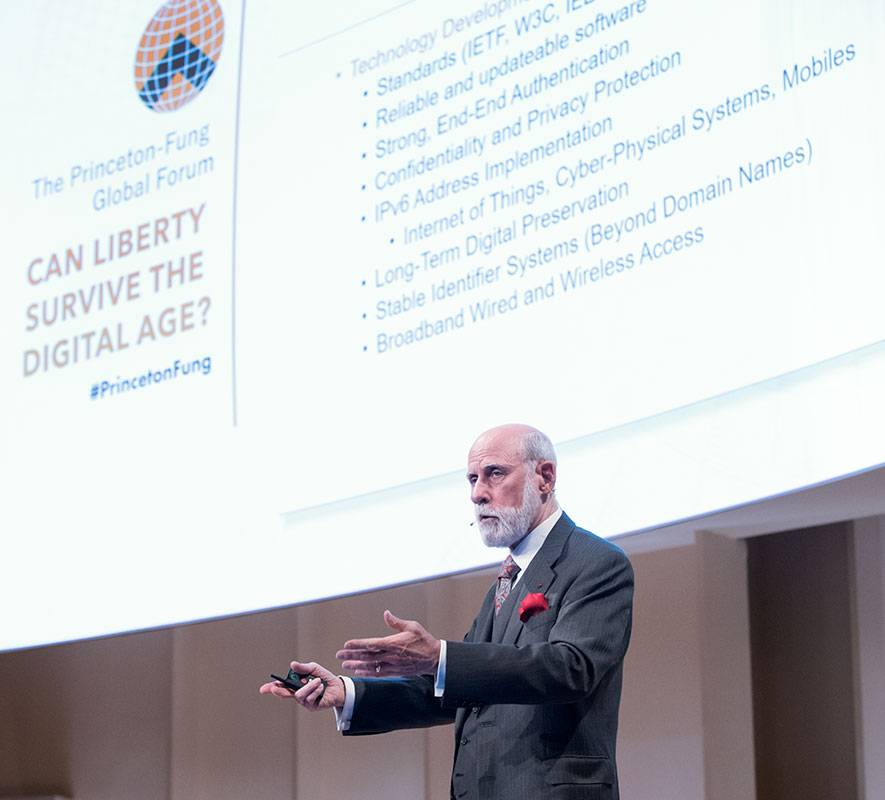 Vincent Cerf addressing attendees at the Princeton-Fung Global Forum in Berlin