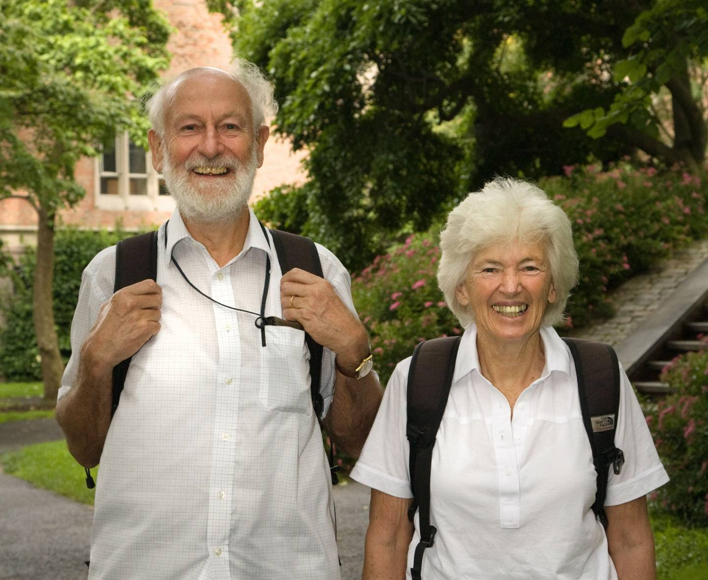 Peter and Rosemary Grant receive Royal Medal in Biology