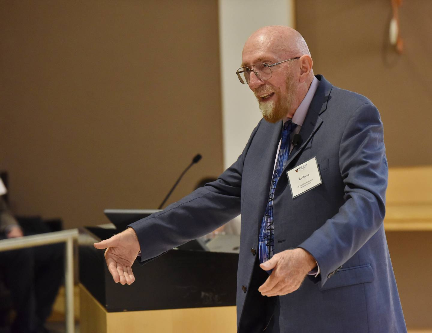 Kip Thorne at podium