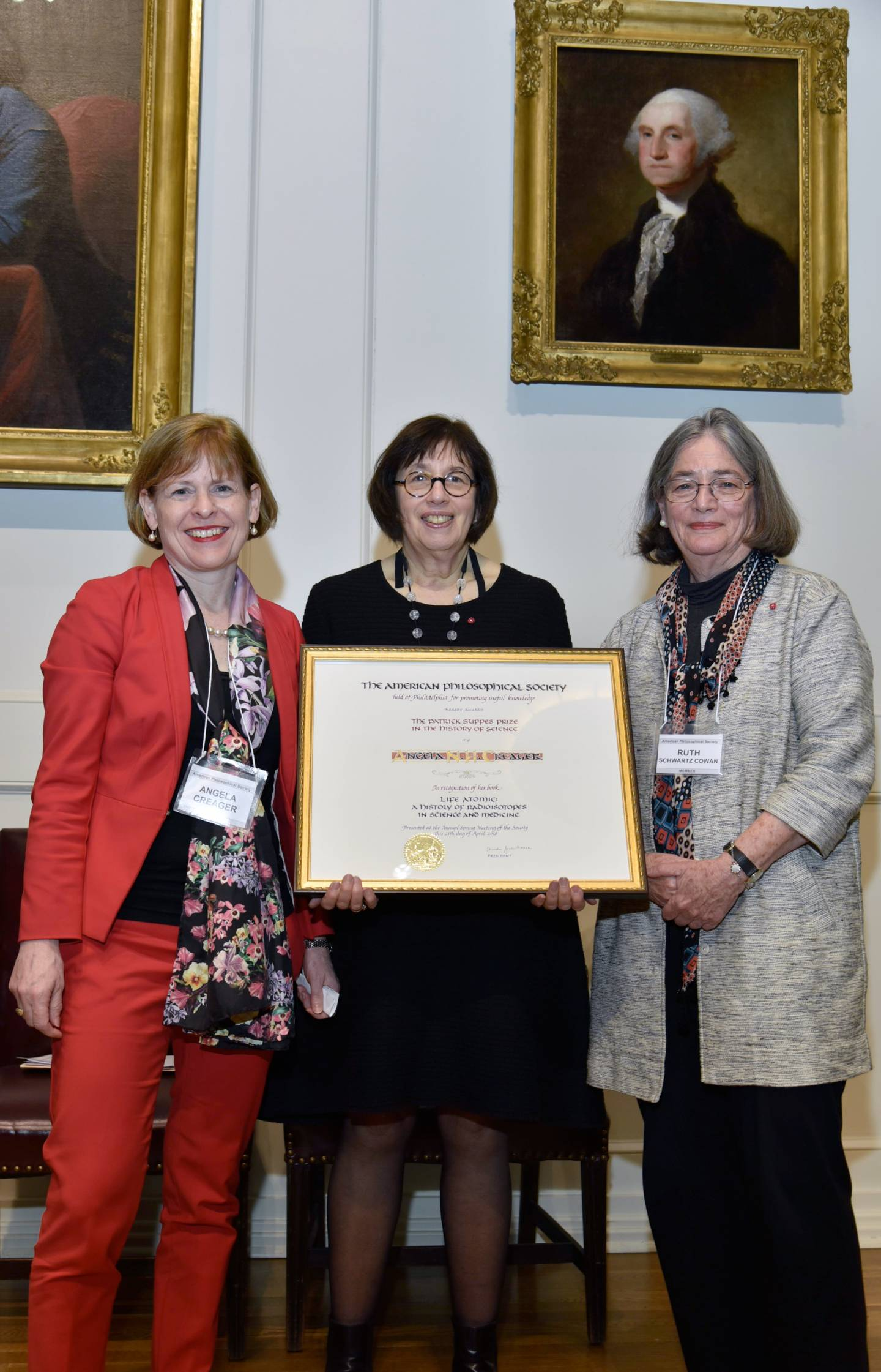 from left: Creager; Linda Greenhouse, president of the American Philosophical Society; and Ruth Schwartz Cowan, chair of the prize committee.