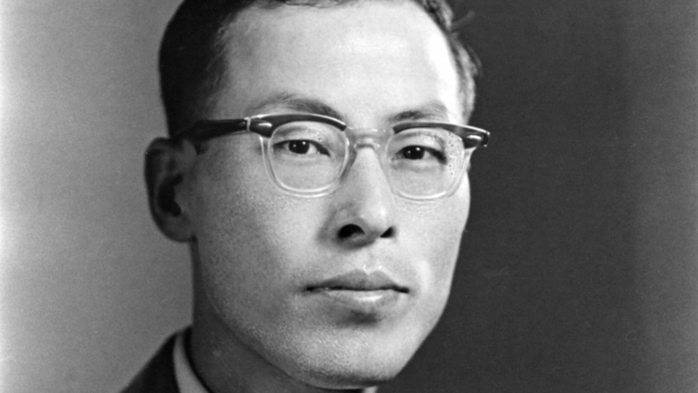 Goro Shimura, a 'giant' of number theory, dies at 89