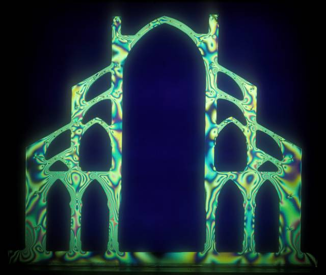 photoelastic modeling of Notre Dame Cathedral in Paris